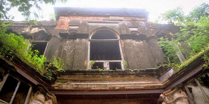 Dubolhati-Palace
