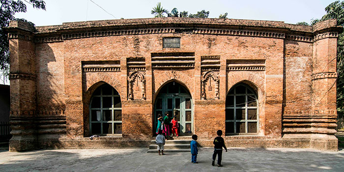 Baba-Adam-Mosque2