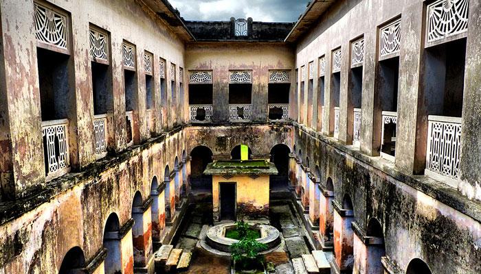 Baliati-Palace1